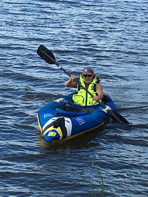 Life jackets and 2 man kayak if requested to get on Somerset Dam 5 min drive with toilets at ramp