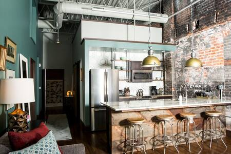 80 Lex : Apartment 202 : Iconic Downtown Location