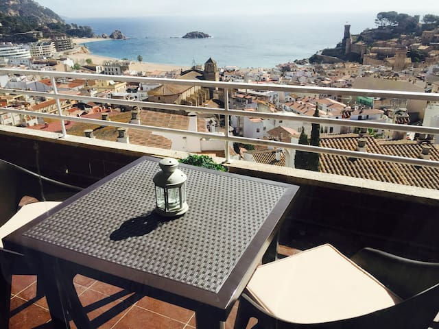 BEAUTIFUL APARTMENT WITH AMAZING VIEWS TO TOSSA - Tossa de Mar - Apartment