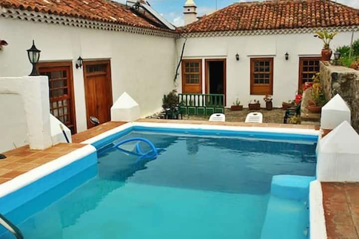 Hus med ett soverom i San Cristóbal de La Laguna med tilgang til svømmebasseng og Wi-Fi - 10 km fra stranden