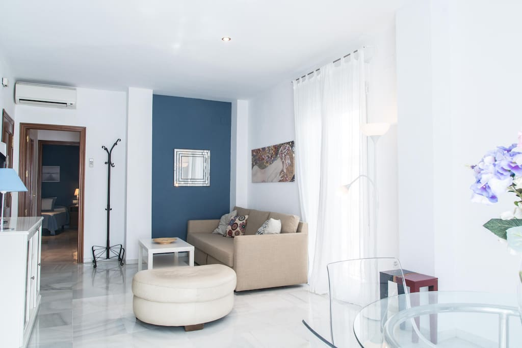Living room with doble sofa bed