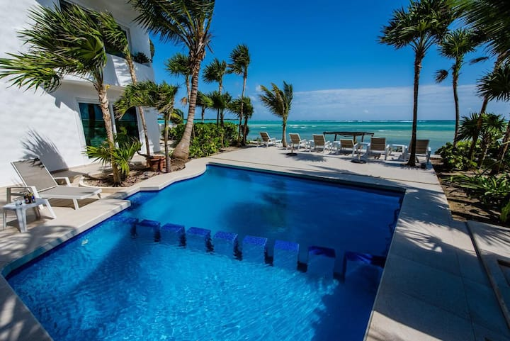 Luxury Oceanfront Villa! Pool, Chef, WiFi & More..