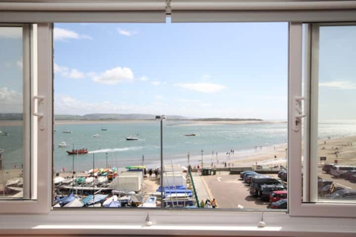 1 Bedroom Apartment With Fantastic Sea Views