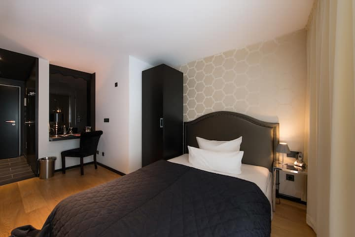 Single Room in Design Boutique Hotel la maison