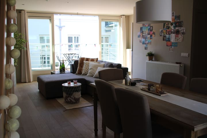 Ghent Ctr: bright duplex apartment with terrace(s)