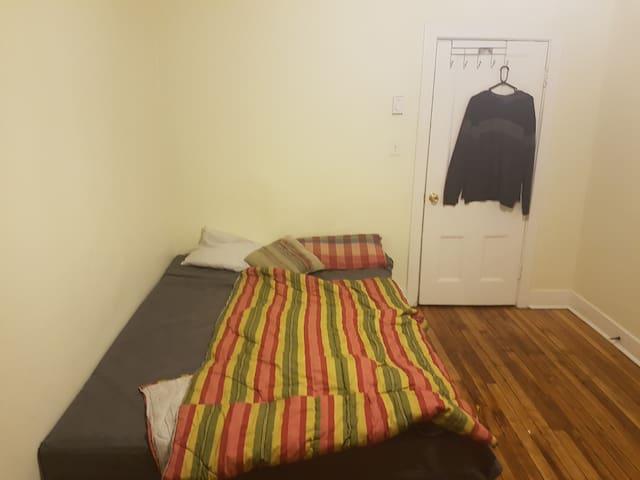 Beautiful 1 bedroom Apartment in Uptown