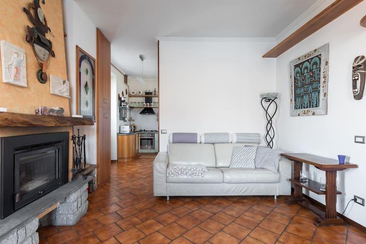 Emy's house/Rica's apt Lezzeno