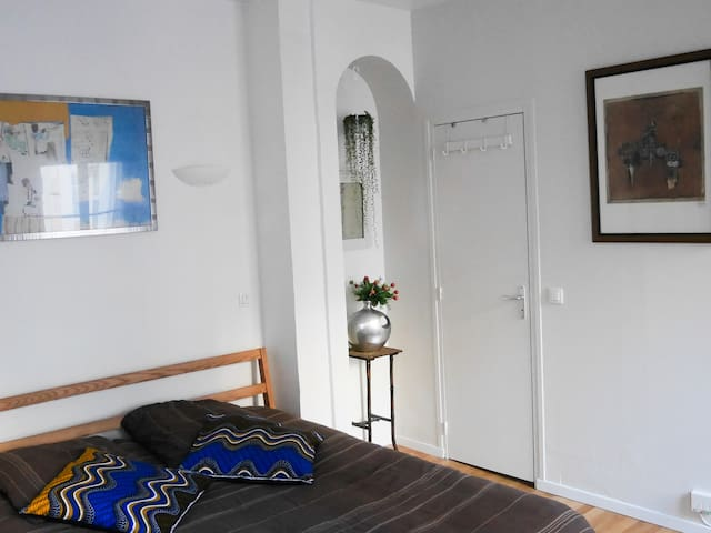 Cosy for two / Montmartre for you