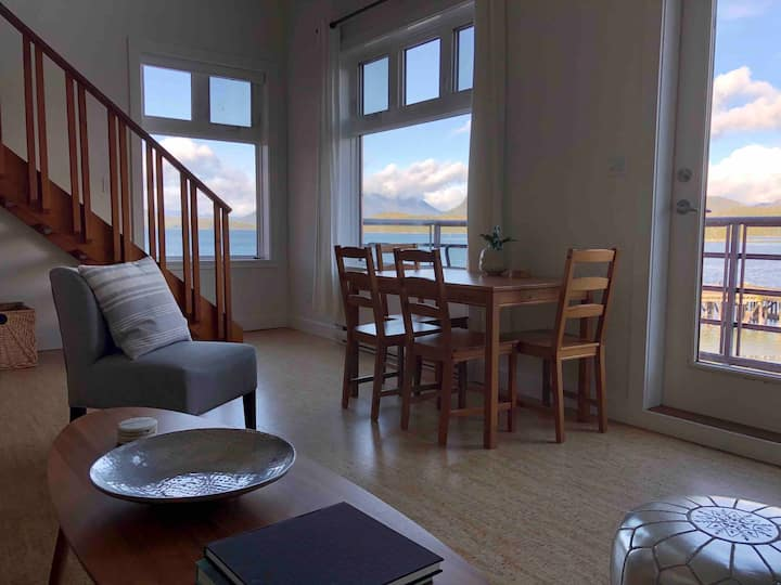 The Harbourview- Ocean Front Condo