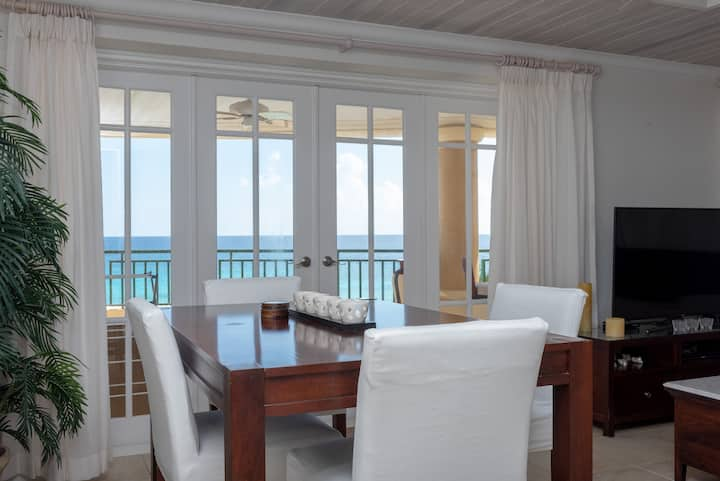 Two Bedroom Beachfront - Amazing View