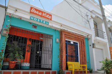 Bona Vida Hostel - 8-Bed Dorm - Riohacha - Makuusali