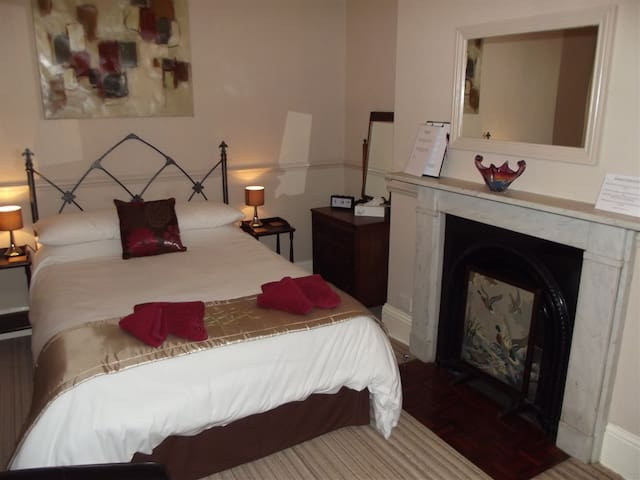 Victorian Townhouse Bed & Breakfast Whitby - Whitby - Bed & Breakfast