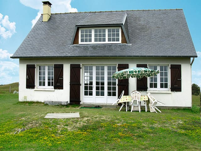 85 m² Holiday home in St. Germain-sur-Ay - Saint Germain-sur-Ay - Rumah