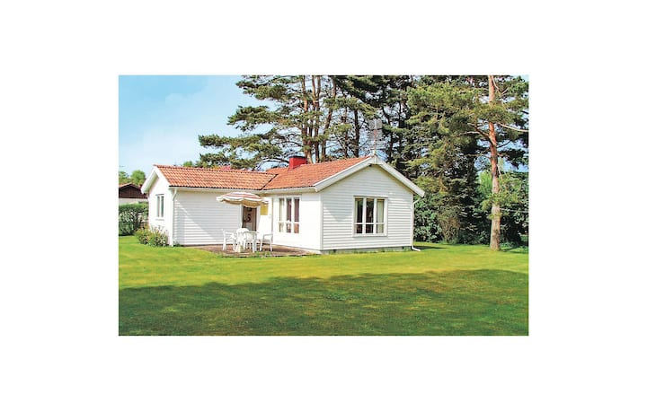 Holiday cottage with 2 bedrooms on 55m² in Höllviken
