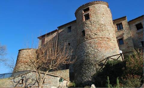 Atmosfera medievale nella torre di Calbano