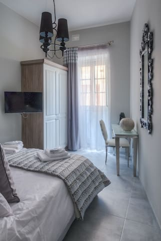 Palazzo converted to Boutique Hotel - Sliema Suite