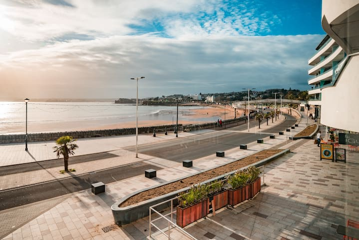 "Sandybanks - ""Style on promenade, stunning views"""
