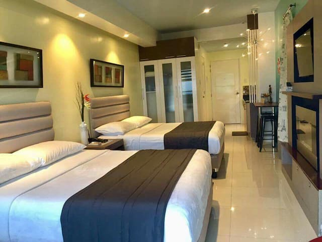 Habagat Unit Condotel w/ 2-queen beds & Taal View - Tagaytay - Leilighet