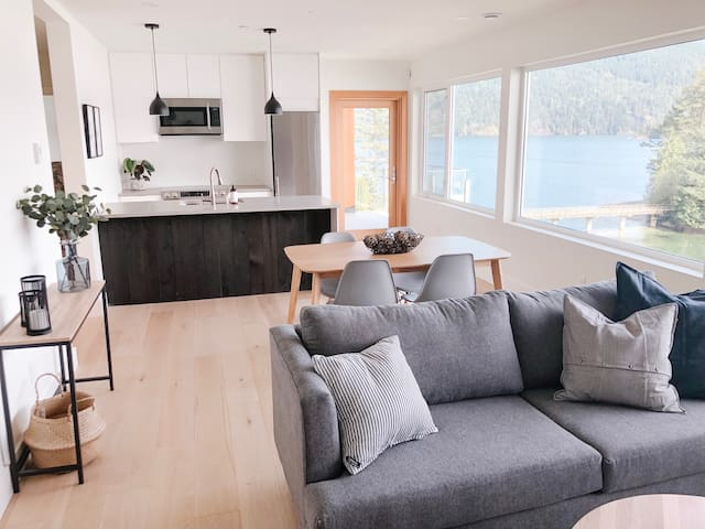 Private 2 bedroom Waterfront suite