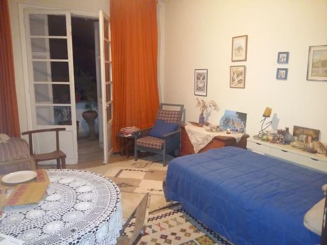 COSY ROOM IN THE HEART OF CASABLANCA, CINEMA LYNX - Kasablanka - Daire