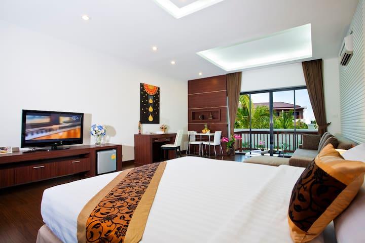 1 Bed Room Deluxe Suite