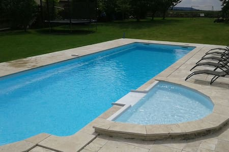 Maison grande piscine - House with heated pool - Laon - Hus
