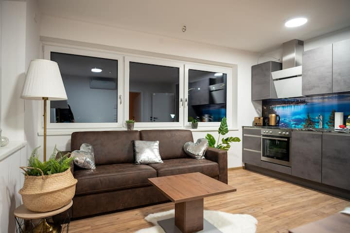 Amelies Terrace Apartment, modern & cozy