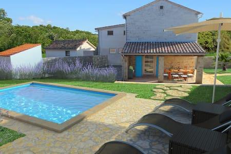 Villa Sasso in Pula riviera - Rajki