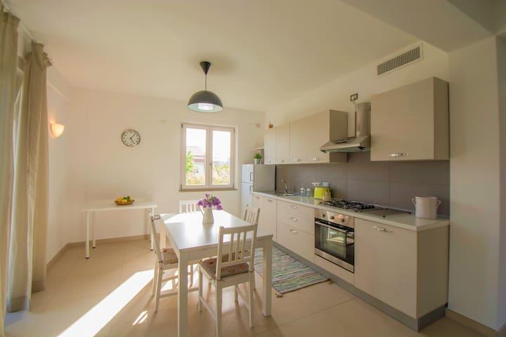 Romantico appartamento in villa sul mare...