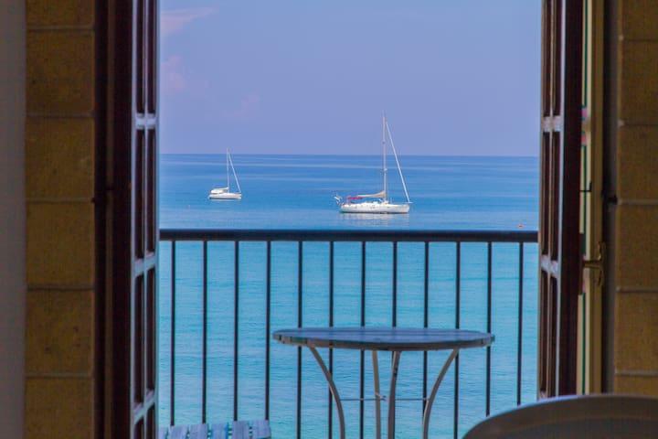 Difrontealmare Apartments: Regno di Sicilia
