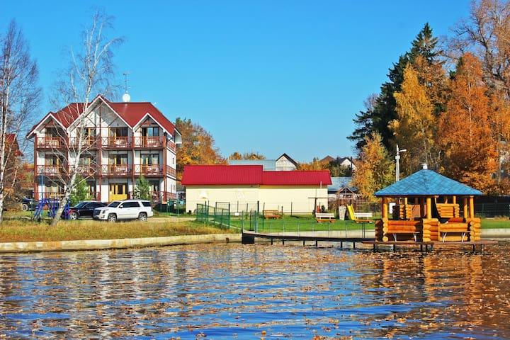 Уютные апартаменты-студии с видом на водохранилище