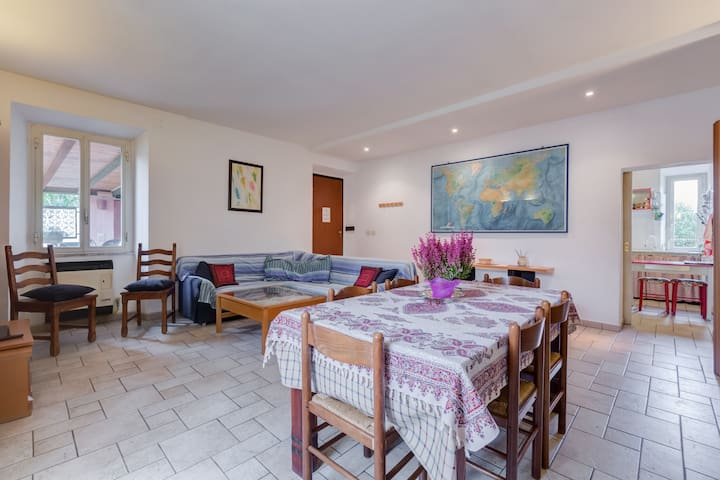 Large and bright 6+3 beds, EUR Magliana in Rome!