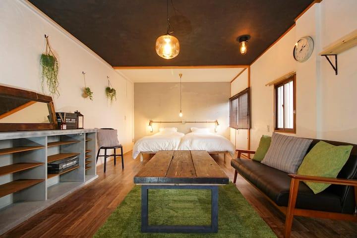 長野駅近接のゲストハウス!ビジネス、観光に最適な立地に佇む、一部屋のみのプライベート空間を提供