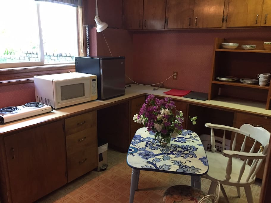 Enjoy a snack or meal in the kitchenette.