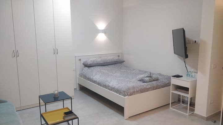 Brand New Studio Apt. in the Heart of TLV
