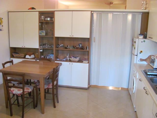 Appartamento estivo 200 mt dal mare - Marina di Torre del Lago Puccini