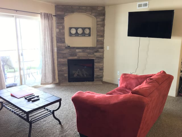 Clean and comfortable 3B/2b condo in Payson - Payson - Huoneisto