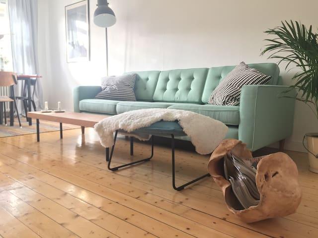 Spacious Apartment close to center - Östersund - Apartament
