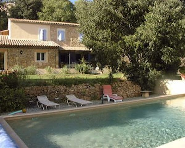 beetween Saint -Tropez and les Gorges du Verdon - Entrecasteaux - Apartamento