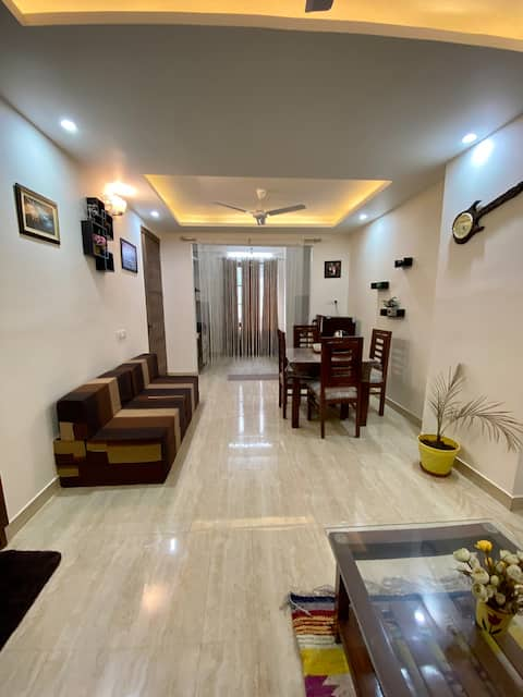 SIFAR-A COSY LUXURY APARTMENT 1BHK WIFI WORKATION