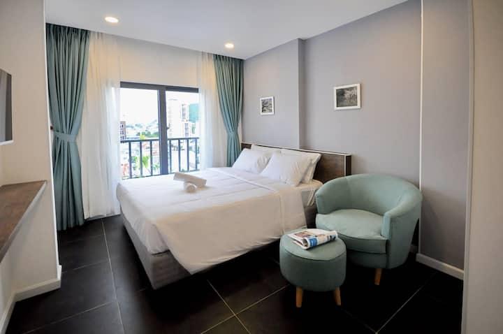 Lekima Blue theme queen room near the beach