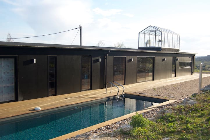 Maison d'architecte moderne au milieu des vignes - Belvès-de-Castillon - Huis