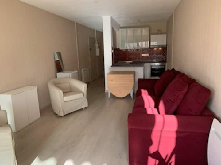Bel appartement de 40 m2 à 300 m de la plage
