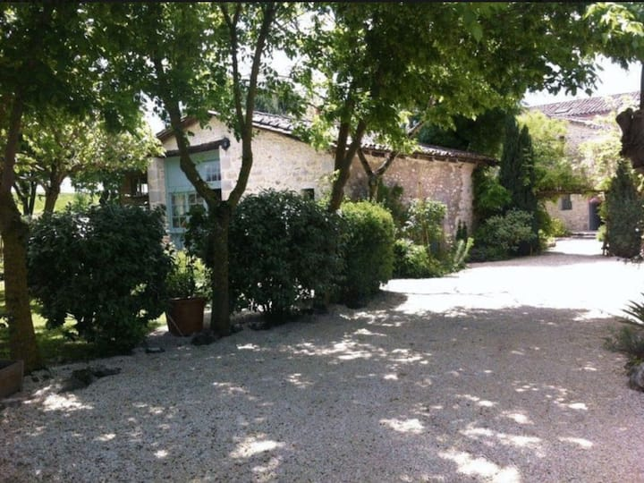 Bergerac Cottage, A serene Country Hideaway