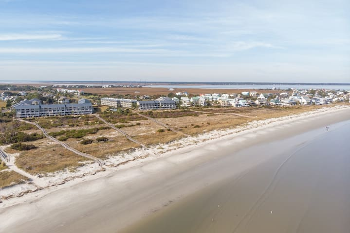 Rates reduced 10% through March | Gulf-front condo w/screened porch, marsh views & clubhouse access