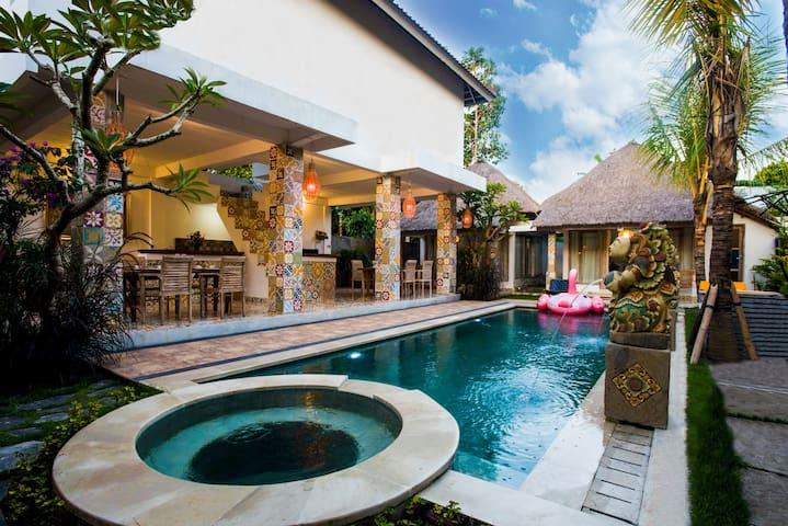 Ubud Dream-II: 2 private houses near the pool