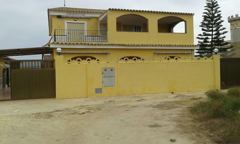 Villa Privada Con Piscina Y Acceso Directo A Playa - Mareny de San Lorenzo - Huis