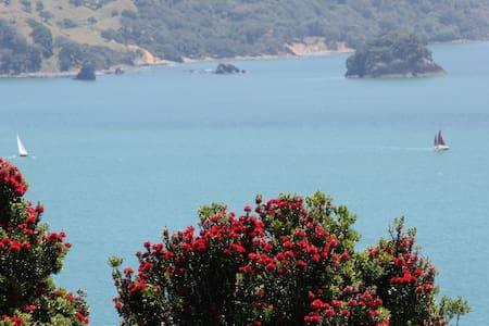 Iremeia - Stunning sea views, quiet location - Hahei - House