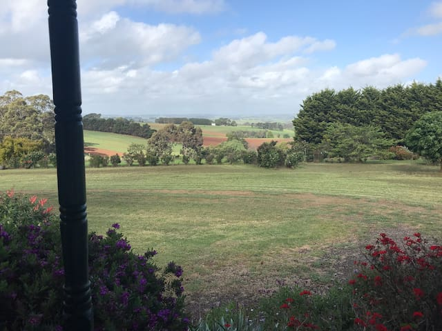 Leongatha Country Cottages