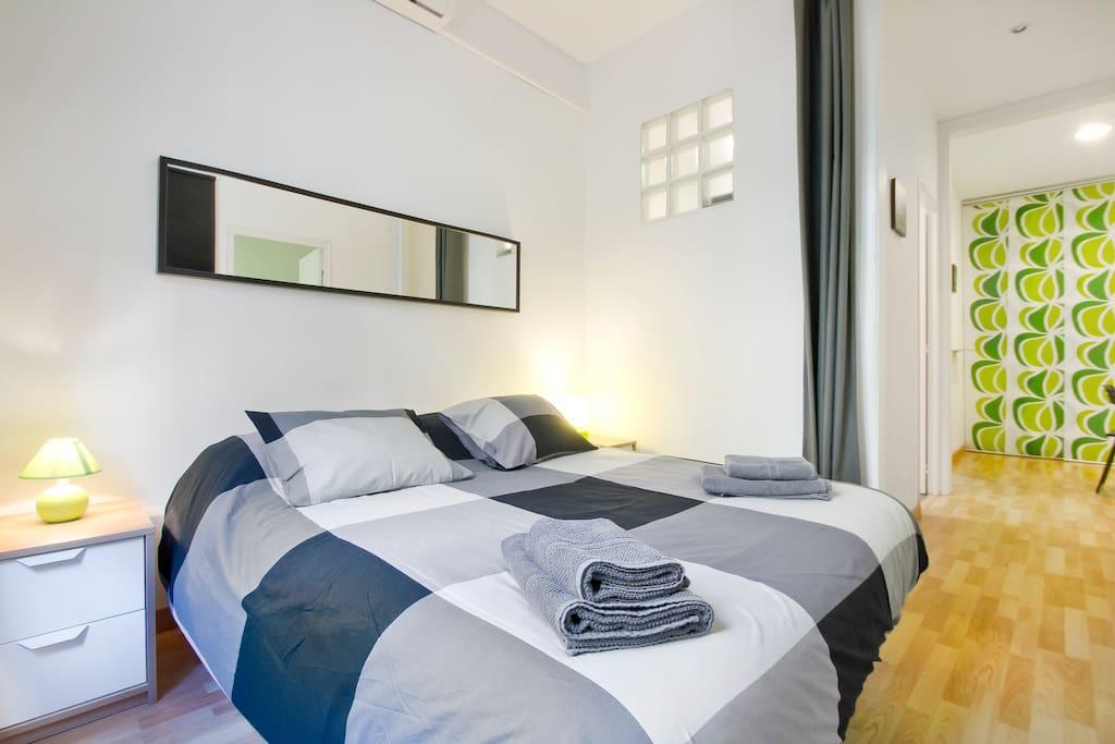 Bright cozy apartment up to 2 appartamenti in affitto for Appartamenti barcellona affitto annuale